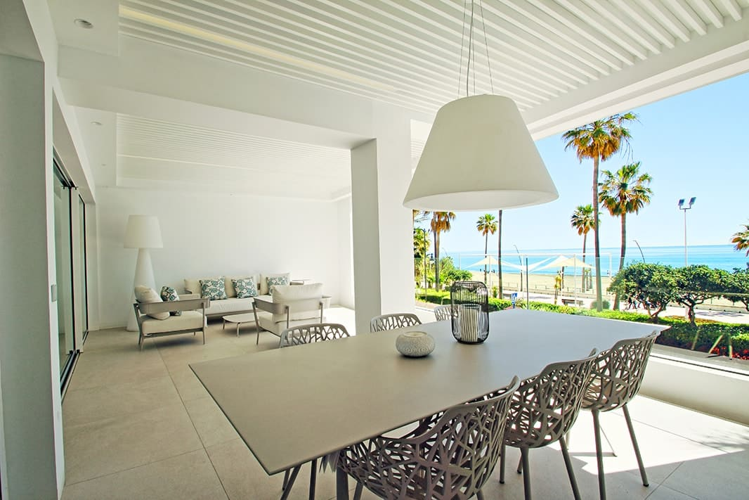 Exceptional frontline sea-view apartments